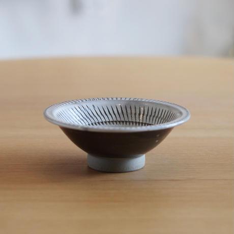 小鹿田焼(柳瀬晴夫窯) 4寸深皿 白