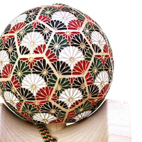 【New】日本の職人が最高の技を施した木製けん玉「錦玉〜菊華(きっか)〜」