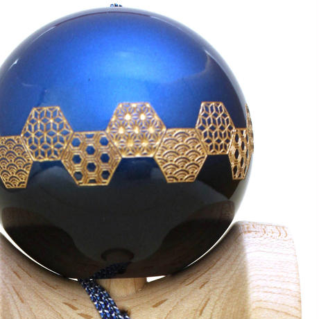 【New】日本の職人が最高の技を施した木のおもちゃけん玉「錦玉〜横段 吉祥(よこだん  きっしょう)青〜」