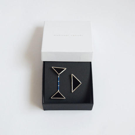 beads triangles piace / black