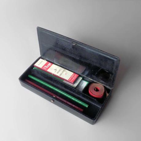 NS003 フランス製 木製筆箱+鉛筆 他