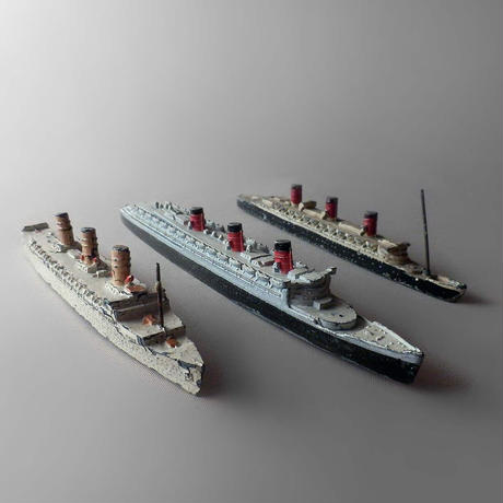 "NT082 Miniature Lead Ship ""Queen Mary"""
