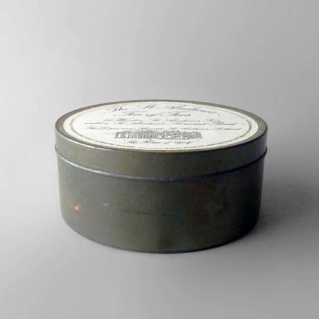 NA610 セント・アンドリュースの缶入りティーset