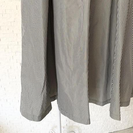 ストライプタフタスカート