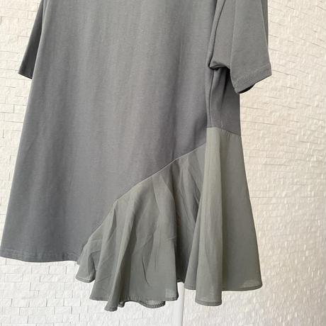 裾フリルTシャツ