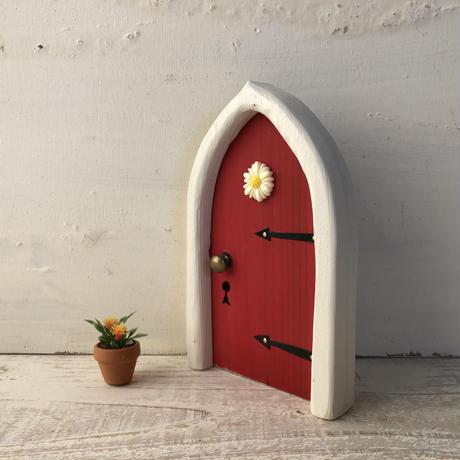 アーチフラワーのあか色の扉