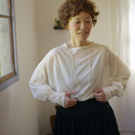 silk lawn  blouse《white》