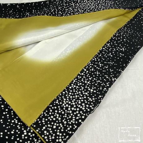 【小紋】正絹 袷 色紙吹雪 黒