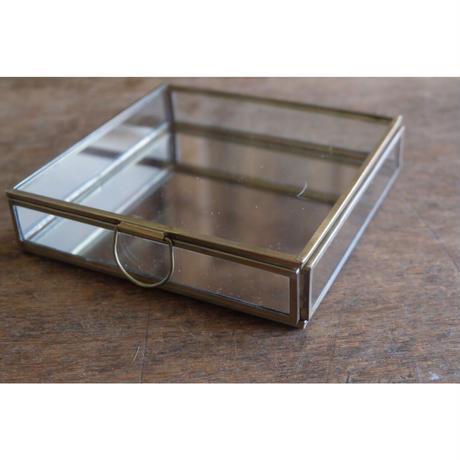 真鍮とガラスのスクエアケース
