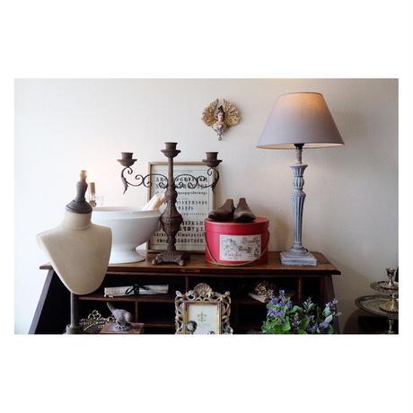 テーブルランプ グレーのシェード