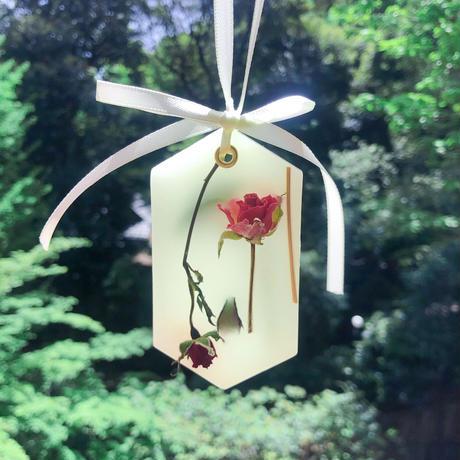 母の日ギフト♡香りの贈り物 《カーネーションのアロマワックスサシェと精油100%でぐっすり眠れるピローミストのセット》