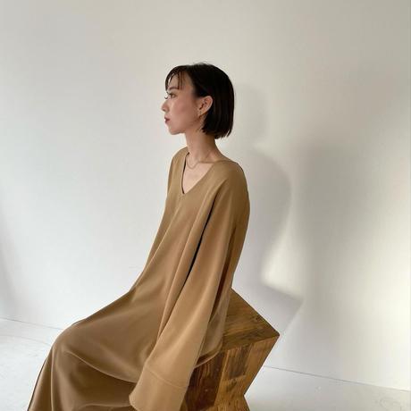 U cutting Toromi dress