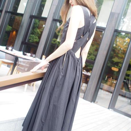 BACKコンシャスドレス【7月下旬より順次発送】