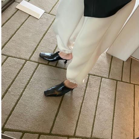 pointed heel mule