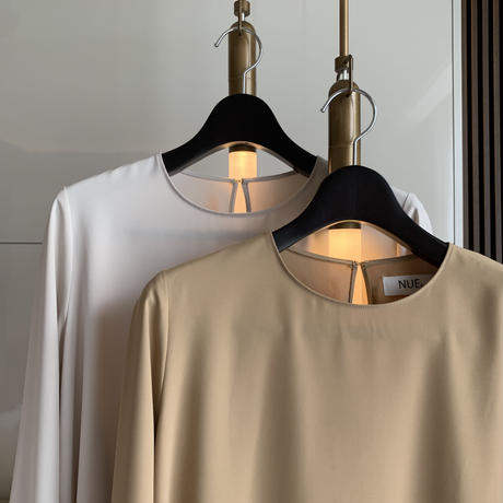【即納】'NUE made' flare toro blouse