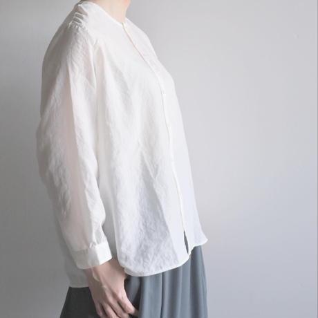 【NO CONTROL AIR】シュリンクポリエステルブロードノーカラーシャツ