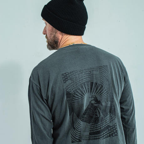 nuttycloyhing / Journy to the moon   LONGSLEEVE T-SHIRT