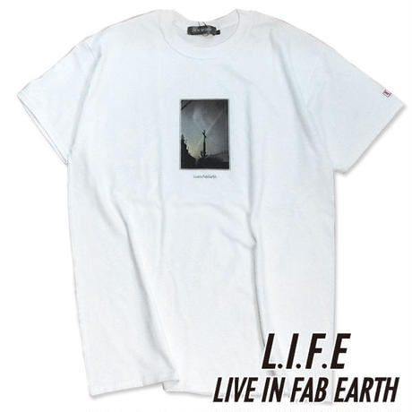 L.I.F.E [ LIVE IN FAB EARTH ]リブインファブアース(ライフ)CR Tシャツ ホワイト