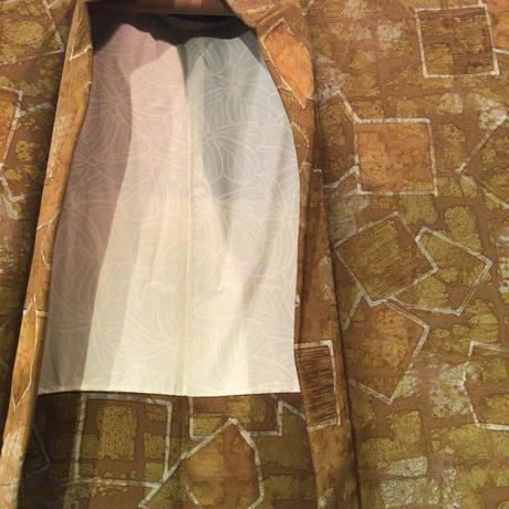 羽織 正絹 辛子色地に四角のろうけつ染め h70