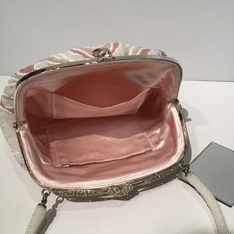 ビーズバッグ 白ピンク 壺垂れ柄 B6