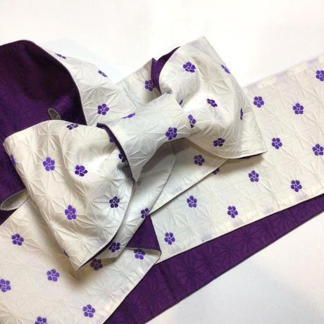 半幅帯 白地に紫の小梅柄 麻の葉の地紋 ob127