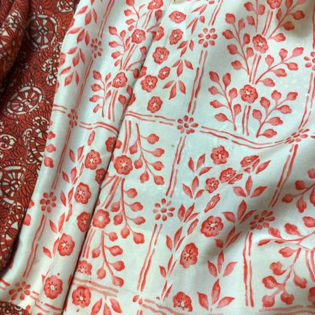 正絹 羽織 赤地に洋風な丸紋柄 h39