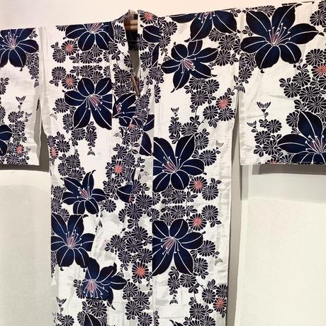浴衣 注染 白地に紺の百合と菊柄 yu29