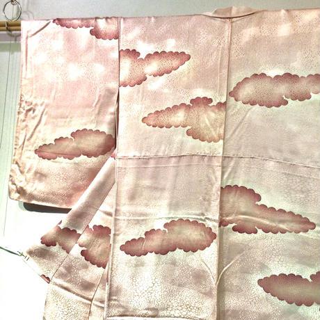 袷 正絹 パールピンク地に雲取り柄 z156