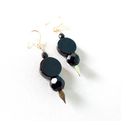 オニキスピアス/ French Hook Earring 'Onyx stud'