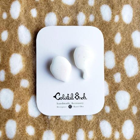 ミルキーピアス / Stud Earring 'Milky Drop'