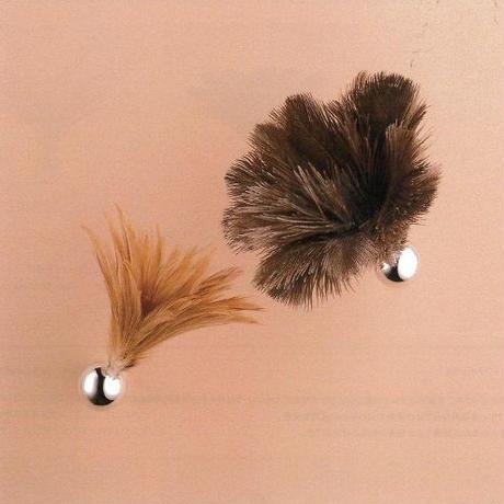 Feather Broom [フェザーブルーム] ash [アッシュ]