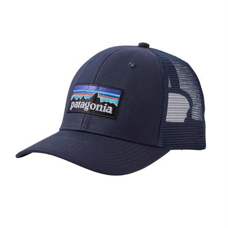 Patagonia(パタゴニア) P-6ロゴ・トラッカー・ハット #38017 カラー  Navy Blue w/Navy Blue (NVNV) ONESIZE