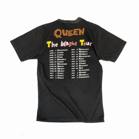 "1986 QUEEN ""A Kind of Magic Tee""  (spice)"