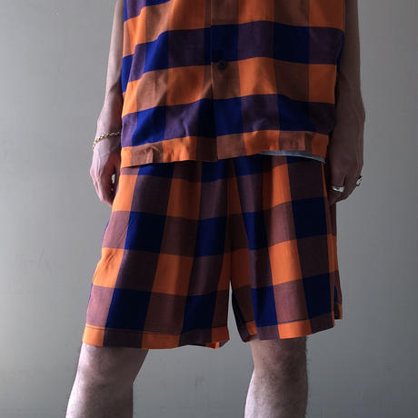 THREE FACE /  EASY SHORTS (navy × orange)