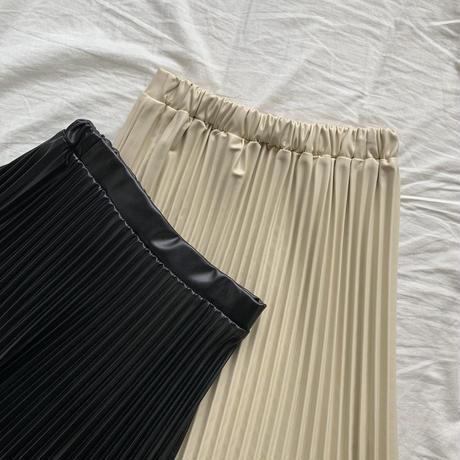 フェイクレザープリーツスカートblack
