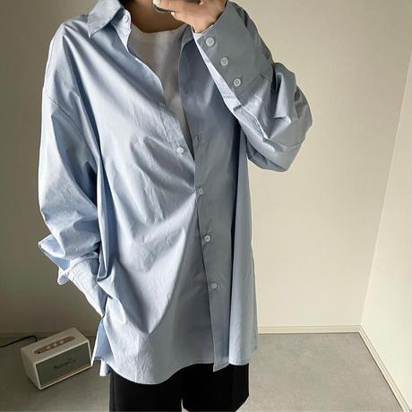 オーバーサイズブルーシャツ