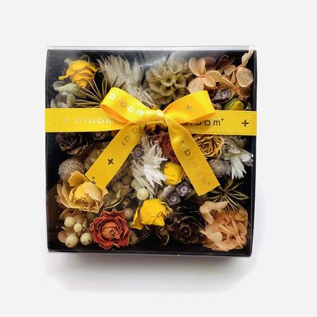 ドライ&プリザーブドフラワーのBOXギフト【yellow】