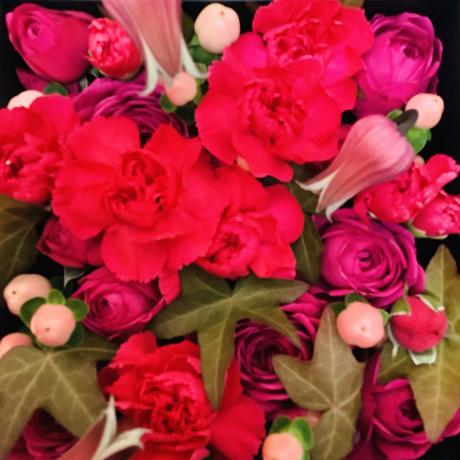 【母の日限定!!】生花のBOXフラワーアレンジメント~pink~