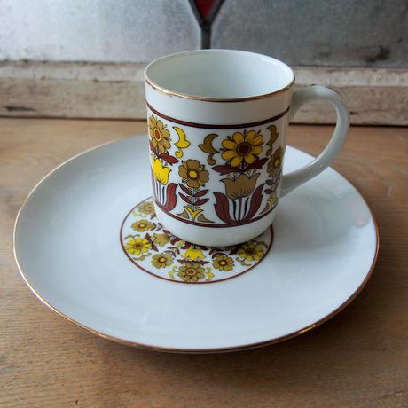 98. モダンな花柄 茶×黄 コーヒーカップ&お皿