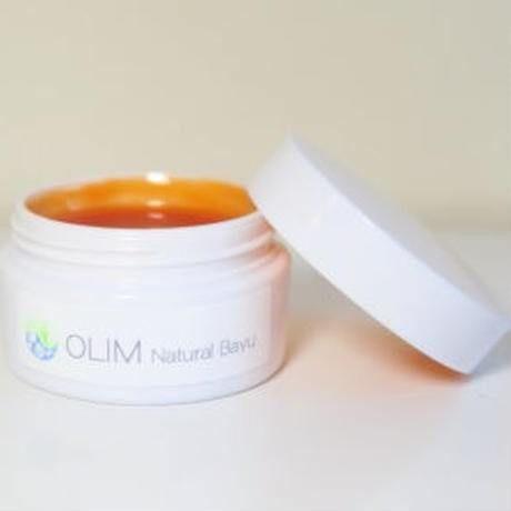 OLIM ナチュラル馬油  ■紫外線に強い成分配合でシミ・そばかすをふせぎます