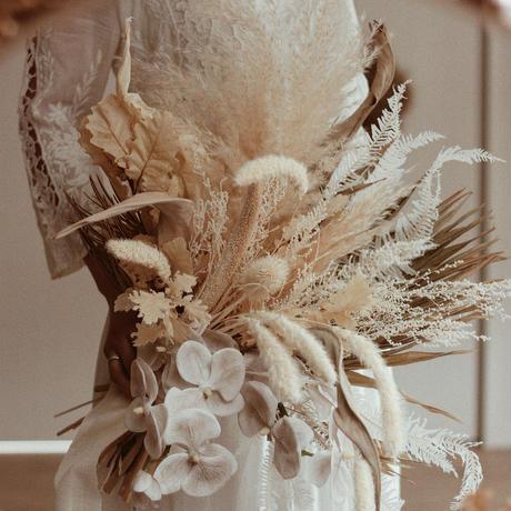 受注制作wedding bouquet くすみ胡蝶蘭