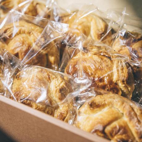 チキンカレーパイ(8個setギフト)|包みパイ専門店MEAT PIES MEET