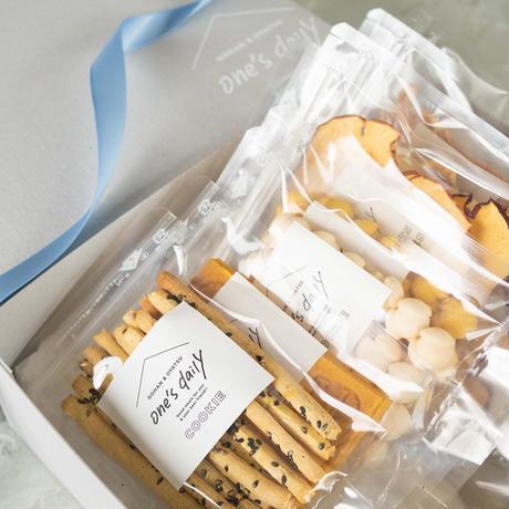 人気商品詰め合わせギフトセット(さつまいも&にんじん&たまごなし&かぼちゃ&アップル&バナナ&ささみ&鹿)8袋※BOX付き