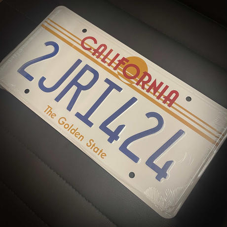 ドミニク・トレット 1970ダッジ チャージャーナンバープレート(2JRI424)カリフォルニア州