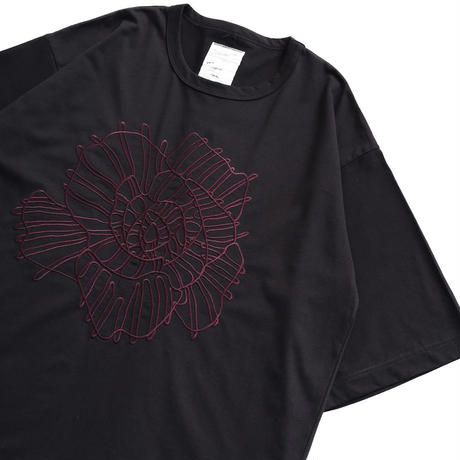 SHAREEF ABSTRACT FLOWER emb. S/S BIG T(Black)