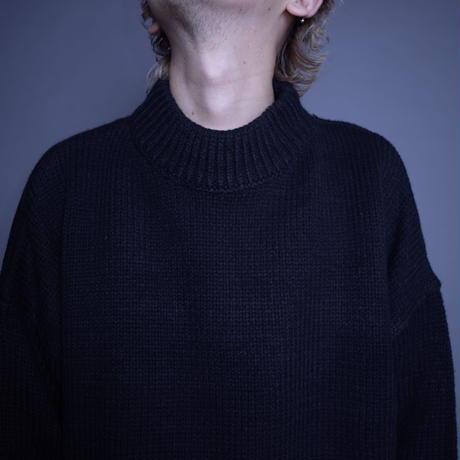 【MGO海外買い付けツアー🎃 SID&NANCY】数量限定 OVERSIZED SHORT SWEATER [BLACK]