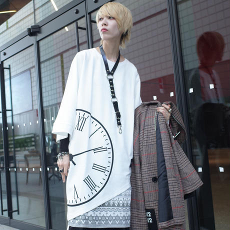【AFYF】TRIANGLE GRAPHIC [CLOCK WHITE]