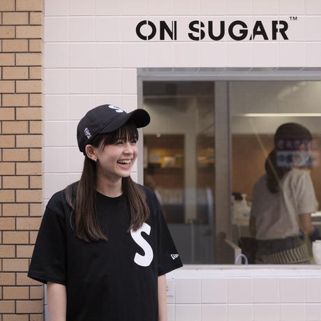 ON SUGAR × NEW ERA Tシャツ