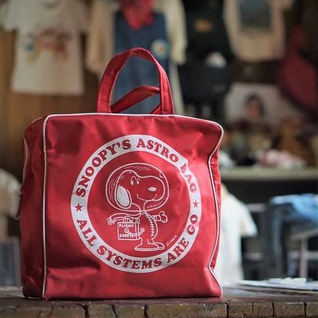 ヴィンテージ スヌーピーアストロノーツのナイロン製バッグ