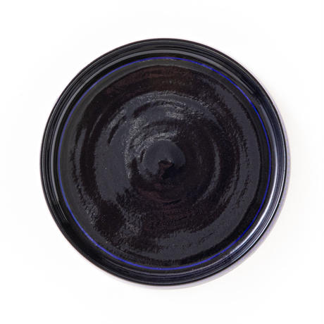 飛鉋象嵌線文瑠璃釉リム皿050v